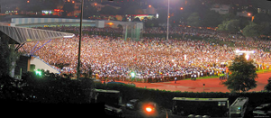 Large crowd at opposition rally in Singapore 2006 GE